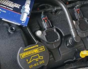 Top 5 Best Spark Plugs for Mustang V6 [Review Guide] In 2021