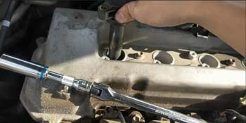 How Do You Remove A Spark Plug Without A Magnet